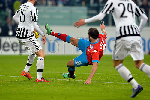13.02.2016. Juventus Stadium, Turin, Italy. Serie A Football. Juventus versus Napoli. Gonzalo Higuain has a shot at goal past Andrea Barzagli