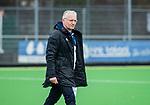 AMSTELVEEN - coach Hans Oostindie (Pin)   tijdens de hoofdklasse competitiewedstrijd dames, Pinoke-Amsterdam (3-4). COPYRIGHT KOEN SUYK