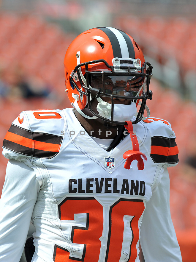 CLEVELAND, OH - JULY 18, 2016: Defensive back Derrick Kindred #30 of the Cleveland Browns walks onto the field prior to a game against the Baltimore Ravens Cleveland Browns on July 18, 2016 at FirstEnergy Stadium in Cleveland, Ohio. Baltimore won 25-20. (Photo by: 2017 Nick Cammett/Diamond Images)  *** Local Caption *** Derrick Kindred(SPORTPICS)