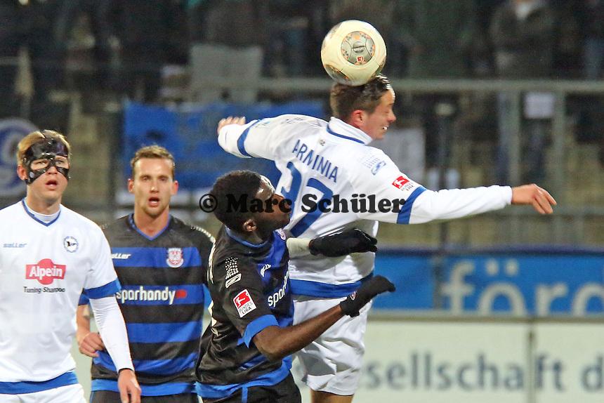 Nestor Djengoue (FSV) gegen Christian Müller (Arminia) - FSV Frankfurt vs. Arminia Bielefeld, Frankfurter Volksbank Stadion