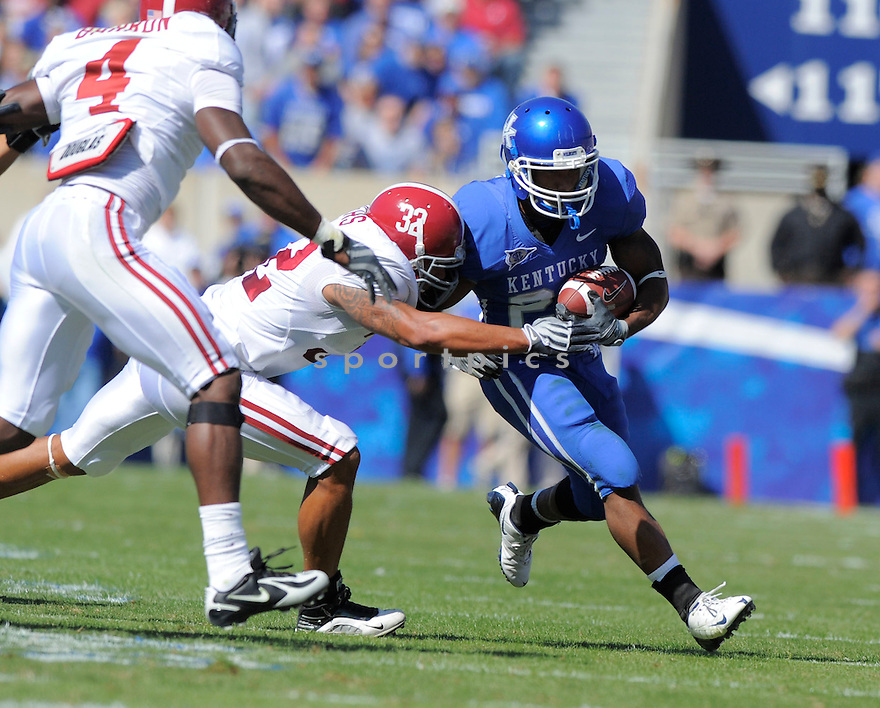 DERRICK LOCKE, of the Kentucky Wildcats, in action during the Wildcats game against the Alabama Crimson Tide on October 2, 2009 in Lexington, KY. The Crimson Tide beat the Wildcats   38-20 ...