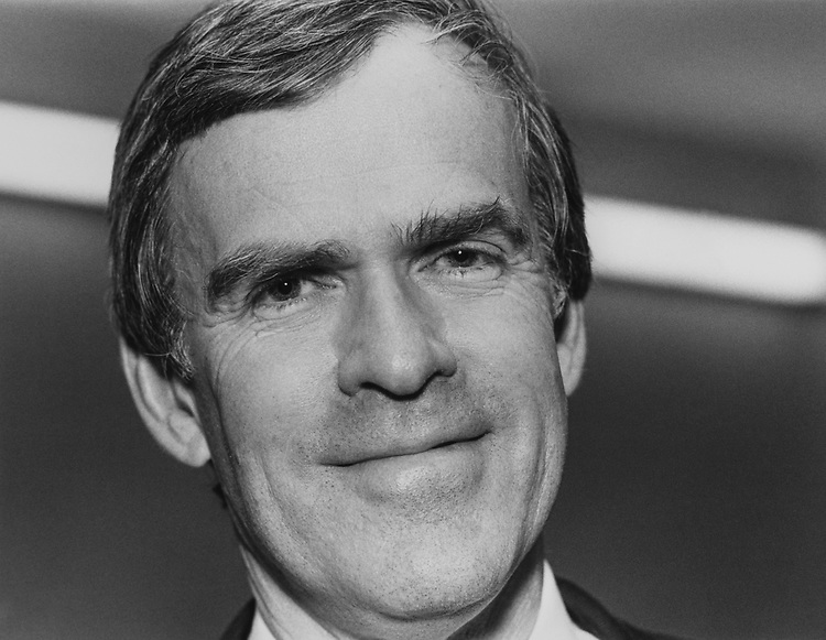 Sen. Jeff Bingaman, D-N.M., in January 1993. (Photo by Frances Fuller/CQ Roll Call via Getty Images)