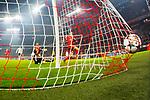 20.02.2018, Allianz Arena, Muenchen, GER, UEFA CL, FC Bayern Muenchen (GER) vs Besiktas Istanbul (TUR), Achtelfinale, im Bild Tor zum 4-0 durch Robert Lewandowski (FCB #9) mit Fabri (Besiktas #1) <br /> <br /> Foto © nordphoto / Straubmeier