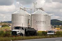 Tres Coracoes_MG, Brasil...Silo de armazenamento de uma industria em Tres Coracoes...The industry storage silo in Tres Coracoes...Foto: LEO DRUMOND / NITRO.