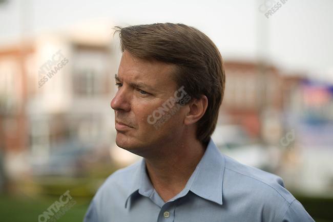 Former Senator John Edwards (D-North Carolina), potential Democratic presidential candidate, makes a campaign stop at the Historic Bandshell in Oskaloosa. Oskaloosa, Iowa, August 16, 2007.