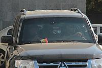 SÃO PAULO, SP, 13.08.2015 – LAVA-JATO - Alexandre Romano, advogado e ex-vereador do PT em Americana, SP, deixa a sede da Polícia Federal em São Paulo é conduzido à Superintendência da Polícia Federal em Curitiba. Romano foi detido na 18ª fase da Operação Lava Jato, intitulada de Pixuleco 2, no aeroporto de Congonhas nesta quinta-feira, 13. (Foto: Marcio Ribeiro/Brazil Photo Press)