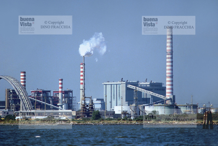 - industrial area of Porto Marghera, thermoelectrical power station of Fusina<br /> <br /> - zona industriale di Portro Marghera, centrale termoelettrica di Fusina