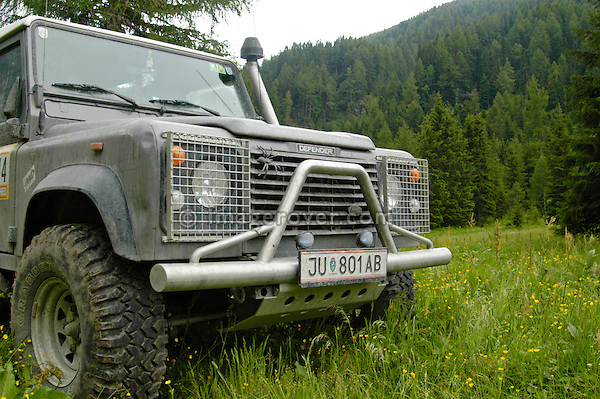 Austria, Boesenstein Offroad Classic, Hohentauern, Steiermark, 25-26.06.2005. Land Rover Defender 90, grey, lamp guards, bull bar, raised air intake, big tyres, Reg: JU801AB. --- No releases available. Automotive trademarks are the property of the trademark holder, authorization may be needed for some uses.