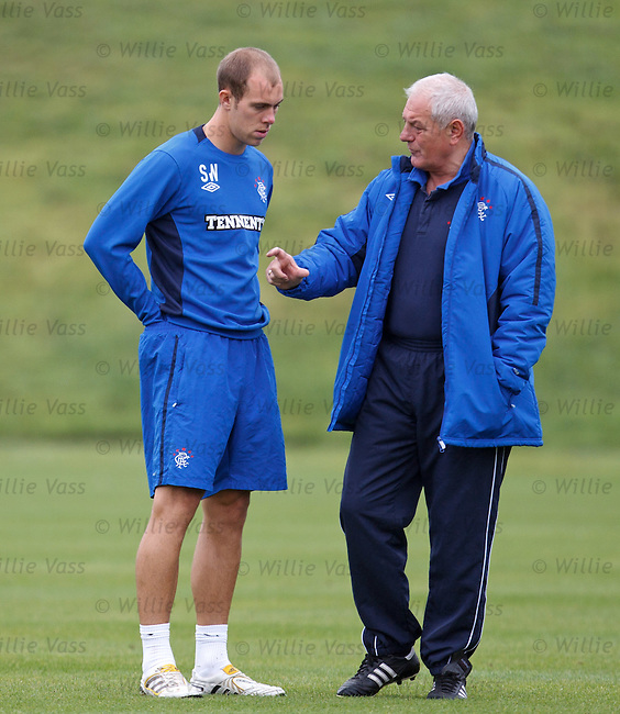 Walter Smith and Steven Whittker have a chat