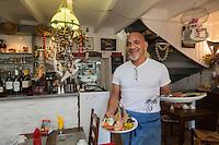 France, Morbihan (56), Île-aux-Moines , restaurant Le  Cagou, Joseph Saliga-Pono// France, Morbihan, Île aux Moines,  restaurant Le  Cagou, Joseph Saliga-Pono [Non destiné à un usage publicitaire - Not intended for an advertising use]