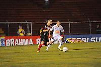 SAO PAULO, SP, 26 DE JANEIRO DE 2012 - CAMP. PAULISTA - Santos X Ituano- Lance durante Campeonato Paulistas. no Estadio Anacleto Campanela em Sao Caetano do Sul. (FOTO: ADRIANO LIMA - NEWS FREE).