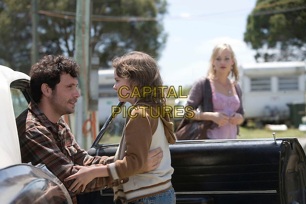 "JEREMY SISTO, KODI-SMIT MCPHEE & SAMANTHA MATHIS.in Nightmares & Dreamscapes - Stories From Stephen King.""The Fifth Quarter"".*Editorial Use Only*.www.capitalpictures.com.sales@capitalpictures.com.Supplied by Capital Pictures."