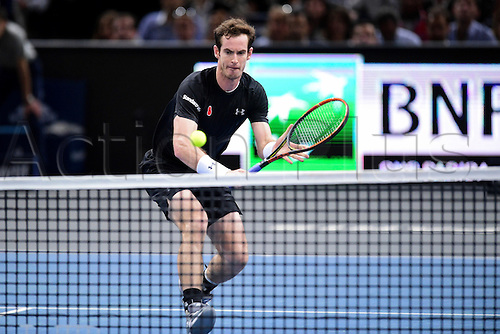 07.11.2015. Paris, France BNP Paribas Master Tennis, Bercy. Semi-finals match between Andy Murray( GBR) and David Ferrrer.  Andy Murray (GBR) returns