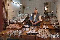 Afrique/Afrique du Nord/Maroc/Fèz: dans la médina chez les poissonniers dans le souk
