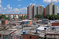 Favela do Flamenguinho e conjunto habitacional. Osasco. Sao Paulo. 2013. Foto de Marcia Minillo.