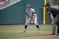 Taylor Sparks #25 of the UC Irvine Anteaters runs during Game 1 of the 2014 Men's College World Series between the UC Irvine Anteaters and Texas Longhorns at TD Ameritrade Park on June 14, 2014 in Omaha, Nebraska. (Brace Hemmelgarn/Four Seam Images)