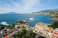ITA, Italien, Kampanien, Sorrento: Faehren nach Capri und Ischia, Vulkan Vesuv | ITA, Italy, Campania, Sorrento: ferries to Capri and Ischia, Vesuvius