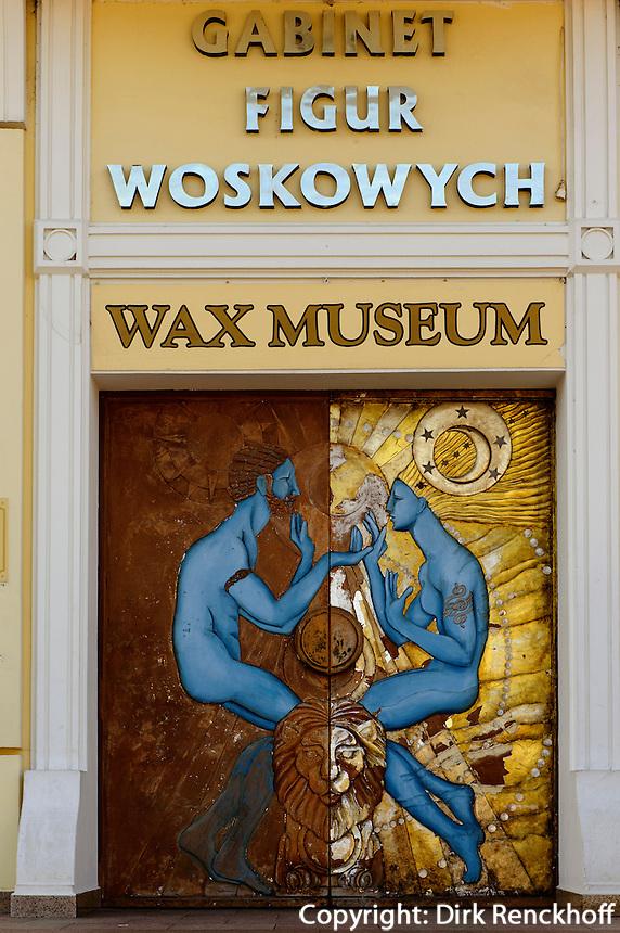 Eingang zum Wachs-Museum in Miedzyzdroje (Misdroy), Woiwodschaft Westpommern (Wojew&oacute;dztwo zachodniopomorskie), Polen, Europa<br /> Wachsmuseum in Miedzyzdroje Poland, Europe