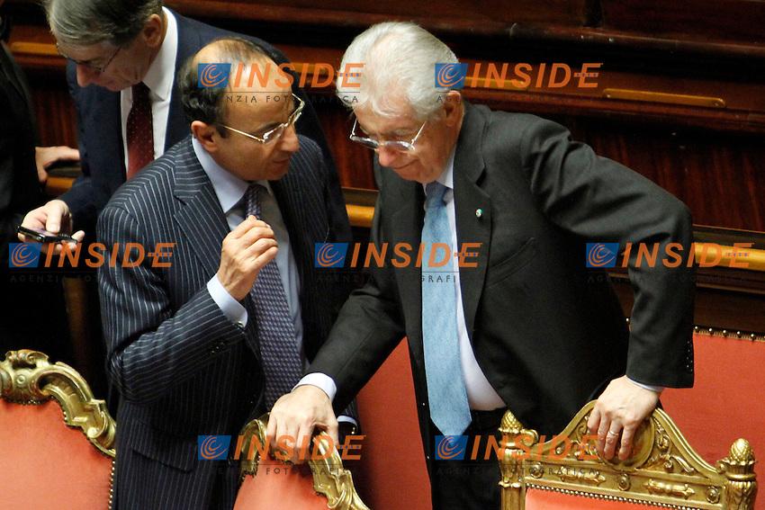 MARIO CIACCIA E MARIO MONTI.Roma 22/12/2011 Senato. Voto di Fiducia sulla Manovra Economica.Votation at Senate about austerity plan. .Photo Samantha Zucchi Insidefoto