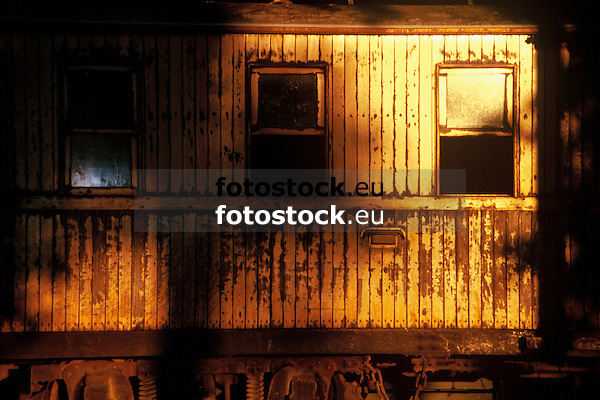 wooden passenger coach of the Soller train in golden sunset light<br /> <br /> vag&oacute;n de madera del Ferrocarril de S&oacute;ller en luz de oro de la puesta del sol<br /> <br /> h&ouml;lzerner Eisenbahnwaggon des Soller-Zuges im goldenen Sonnenuntergangslicht<br /> <br /> 3360 x 2240 px<br /> 150 dpi: 57,05 x 38,08 cm<br /> 300 dpi: 28,52 x 19,04 cm<br /> Original: 35 mm slide transparency