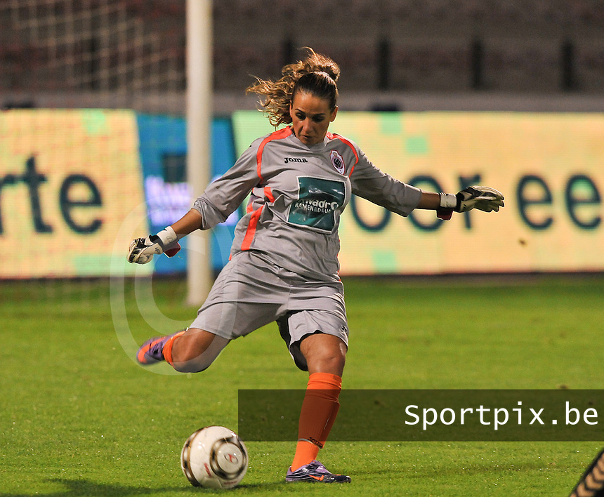 20131018 - ANTWERP , BELGIUM : Antwerp Leyla Bagci pictured during the female soccer match between Royal Antwerp FC Ladies and Telstar Vrouwen Ijmuiden , of the Eight' matchday in the BENELEAGUE competition. Friday 18 October 2013. PHOTO DAVID CATRY