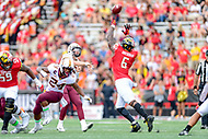 College Park, MD - SEPT 22, 2018: Maryland Terrapins defensive lineman Jesse Aniebonam (6) tips the pass of Minnesota Golden Gophers quarterback Zack Annexstad (5) during game between Maryland and Minnesota at Capital One Field at Maryland Stadium in College Park, MD. The Terrapins defeated the Golden Bears 42-13 to move to 3-1 on the season. (Photo by Phil Peters/Media Images International)