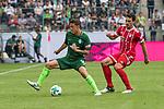 15.07.2017, Borussia Park, Moenchengladbach, GER, TELEKOM CUP 2017 Finale - SV Werder Bremen vs FC Bayern Muenchen<br /> <br /> im Bild<br /> Max Kruse (Werder Bremen #10) im Duell / im Zweikampf mit Mats Hummels (FC Bayern Muenchen #5), <br /> <br /> Foto &copy; nordphoto / Ewert