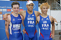 31 AUG 2007 - HAMBURG, GER - Winner Aurelien Raphael (FRA) flanked by Alistair Brownlee (GBR - 2nd) and Vincent Luis (FRA - 3rd) - Junior Mens World Triathlon Championships. (PHOTO (C) NIGEL FARROW)