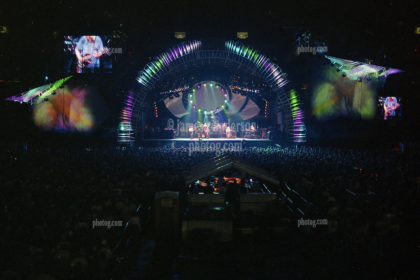 The Grateful Dead Live at Giants Stadium 03 August 1994