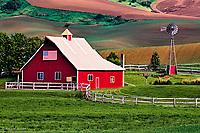 Barn in Palouse region of eastern Washington