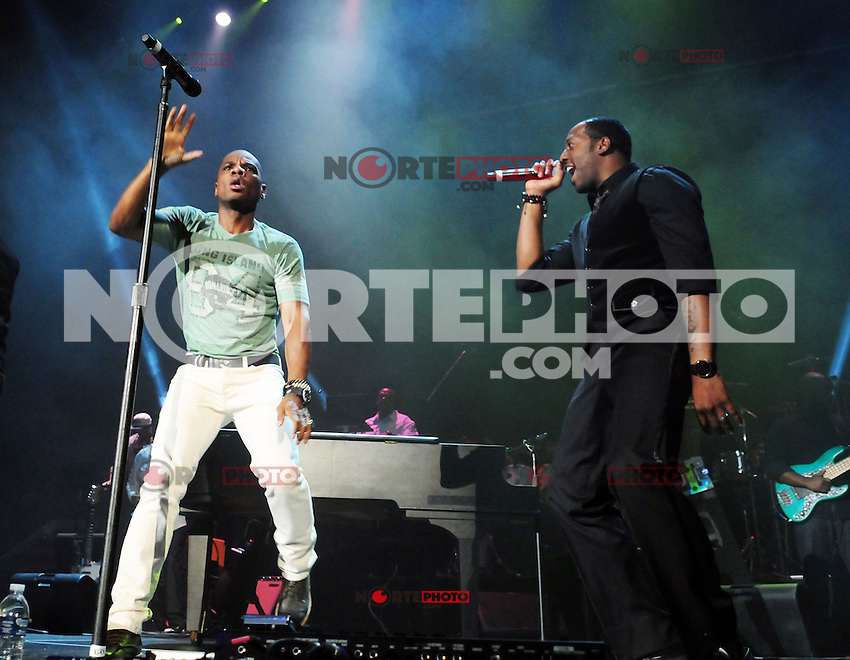 MIAMI, FL - SEPTEMBER 30: Kirk Franklin performs during 'The King's Men' concert at American Airlines Arena on September 30, 2012 in Miami, Florida. © MPI10/MediaPunch Inc /NortePhoto