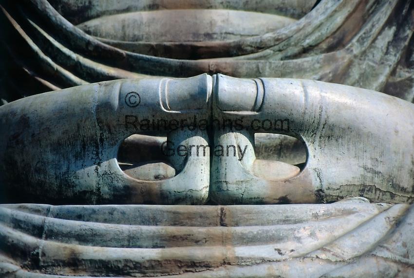 Japan, Kamakura: hands (close-up) of Buddha Daibutsu, statue, at Kotokuin-Temple, built 1252, showing Buddha Amitabha