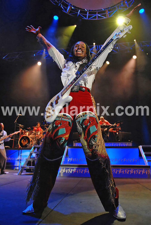 **ALL ROUND PICTURES FROM SOLARPIX.COM**.**WORLDWIDE SYNDICATION RIGHTS**.Earth Wind and Fire perform live in concert at the Manchester MEN Arena, Manchester, UK. 20 July 2010..This pic: Earth Wind and Fire..JOB REF: 11724 SGD     DATE: 20_07_2010.**MUST CREDIT SOLARPIX.COM OR DOUBLE FEE WILL BE CHARGED**.**MUST NOTIFY SOLARPIX OF ONLINE USAGE**.**CALL US ON: +34 952 811 768 or LOW RATE FROM UK 0844 617 7637**