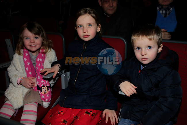 Aiobheen Callaghan  Lauren and Darragh Owens at the  Peter Pan Panto int eh TLT.<br /> Picture: Fran Caffrey www.newsfile.ie