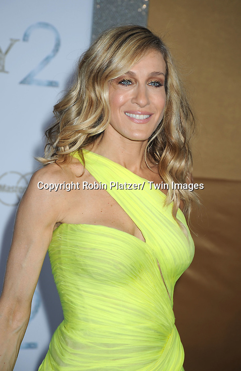 """Sarah Jessica Parker posing for photographers at the world premiere of """"Sex and the City 2"""" on May 24, 2010 at Radio City Music Hall in New York City."""