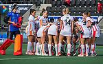 AMSTELVEEN - huddle OR  voor de hoofdklasse hockeywedstrijd dames,  Amsterdam-Oranje Rood (2-2) . links keeper Rachelle Groot (OR)    COPYRIGHT KOEN SUYK