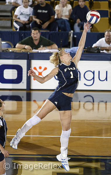 Florida International University against Western Kentucky  on October 27, 2006, at Miami, Florida.<br /> <br /> Junior outside hitter/middle blocker Anita Szymanska (1).