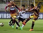 En juego de ida de las semifinales del Torneo Apertura Colombiano 2015, disputado en el estadio metropolitano de Techo de Bogotá, Deportes Tolima e Independiente Medellín igualaron sin goles.