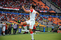 MEDELLIN -COLOMBIA-08-02-2014. Sergio Herrera del Independiente Santa Fe  celebra su gol   contra el Independiente Medellin partido por la cuarta fecha de La Liga Postobon1 jugado en el estadio Atanasio Girardot . Sergio Herrera of  Independiente Santa Fe celebrates his goal  against Independiente Medellin game for the fourth round of La Liga Postobon1 played at Atanasio Girardot stadium : VizzorImage / Luis Rios / Stringer