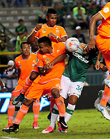 PALMIRA - COLOMBIA-08-07-2017: Cesar Amaya (Der) del Deportivo Cali disputa el balón con Ivan Rojas (Izq) de Envigado FC durante partido por la fecha 1 de la Liga Águila II 2017 jugado en el estadio Palmaseca de Cali. / Cesar Amaya (R) player of Deportivo Cali fights for the ball with Ivan Rojas (L) player of Envigado FC during match for the date 1 of the Aguila League II 2017 played at Palmaseca stadium in Cali.  Photo: VizzorImage/ Nelson Rios /Cont