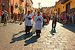 Palm Sunday is a  christian  festive occasion when local vendors sell intricately woven palm fronds decorated with flowers. The woven pieces,sold outside the main San  Miguel churches in the historic center,are blessed and ,according to parishioners,said to be miraculous.(As per Atenci'on )