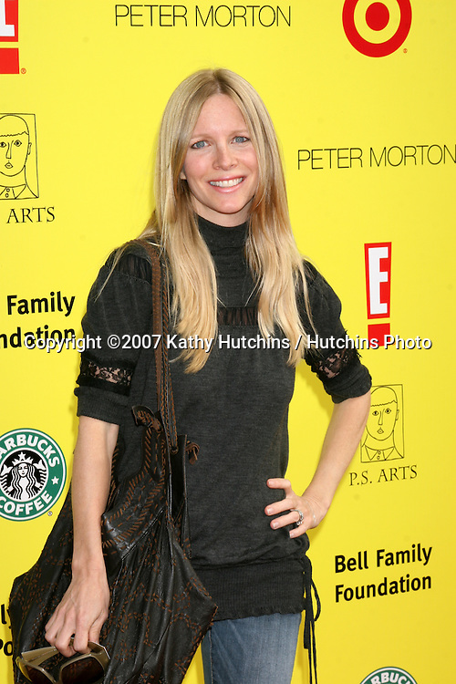 "Lauralee Bell.PS Arts ""Express Yourself"" Benefit.Barker Hanger.Santa Monica, CA.November 2, 2007.©2007 Kathy Hutchins / Hutchins Photo...               ."