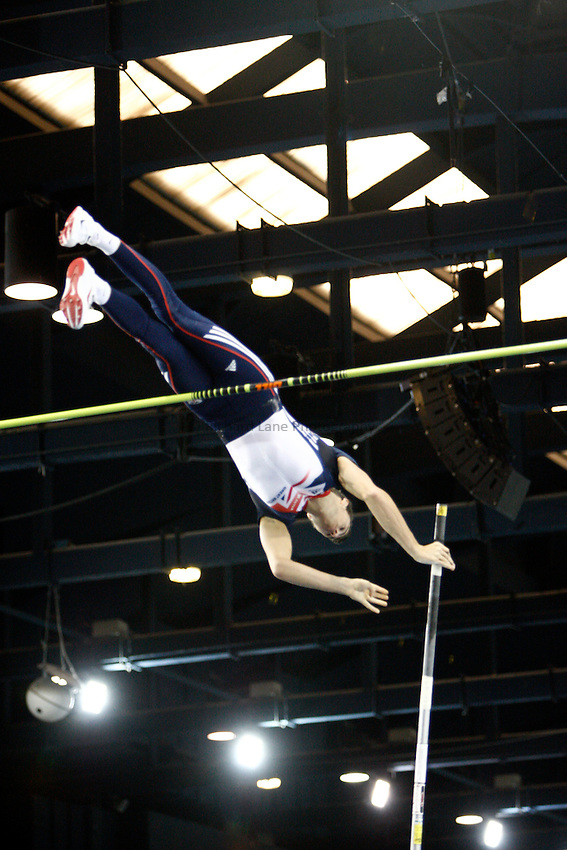 Photo: Richard Lane/Richard Lane Photography. Aviva International Match. 30/01/2010. Great Britain's Steve Lewis in the men's pole vault.