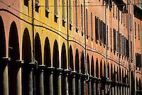 Europe/Italie/Emilie-Romagne/Bologne : Arcades via San Vitale