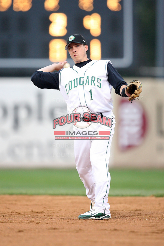 April 29, 2009:Matt Ray (1) of the Kane County Cougars at Elfstrom Stadium in Geneva, IL.  Photo by: Chris Proctor/Four Seam Images
