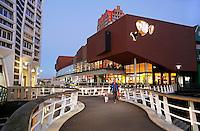 Nederland Zaandam 2015.  Het vernieuwde stadshart van Zaandam. Foto Berlinda van Dam / Hollandse Hoogte