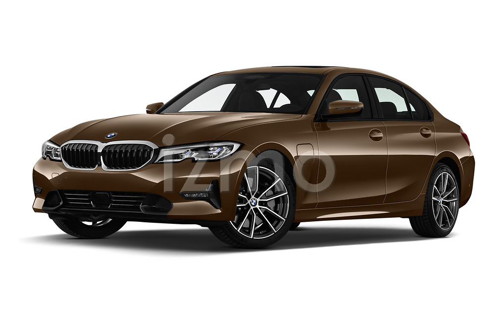 Stock pictures of low aggressive front three quarter view of a 2019 BMW 3 Series Sport PHEV 4 Door Sedan