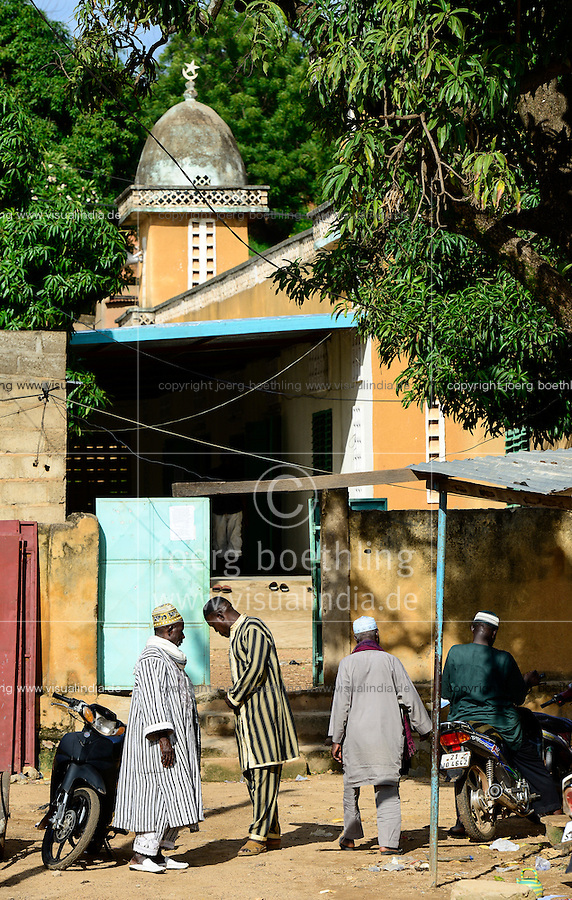 BURKINA FASO, Gaoua, old mosque / alte Moschee