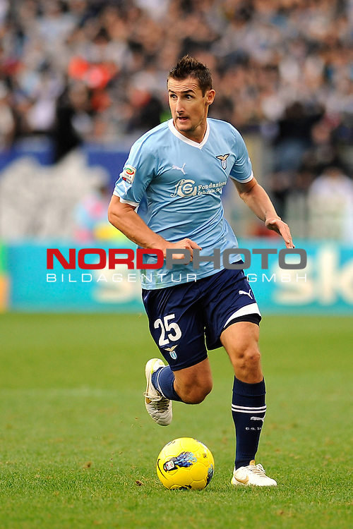 Miroslav KLOSE (Lazio) in action. ROMA 06/11/2011, Stadio Olimpico, Calcio, Campionato di Serie A 2011/2012, Lazio Vs Parma.<br /> Foto &copy; nph /  sportmedia<br /> ***** Attention only for GER, CRO, SUI *****