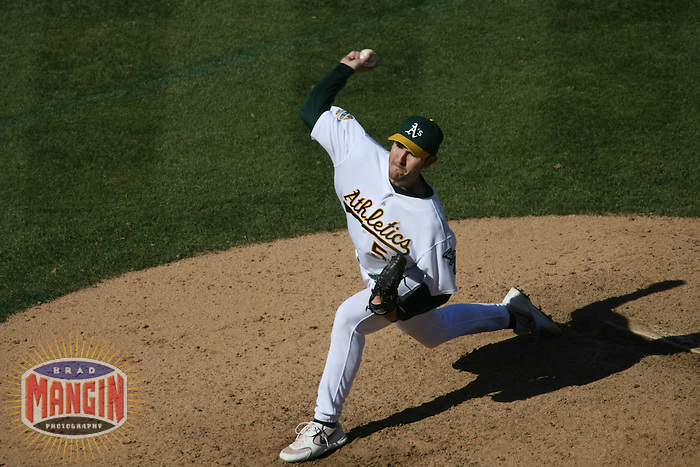 Justin Duchscherer. Baseball: Chicago White Sox vs Oakland Athletics at McAfee Coliseum in Oakland, CA on September 16, 2006. Photo by Brad Mangin